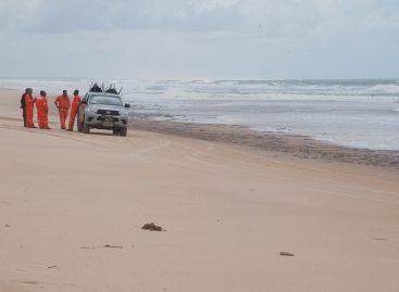 Adema fará monitoramento de substância oleosa encontrada em praias sergipanas