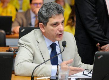 Rogério Carvalho acusado de usar cota parlamentar para pagar diária durante o recesso