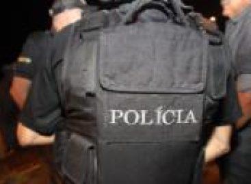 Suspeito de homicídio entra em confronto com policiais militares
