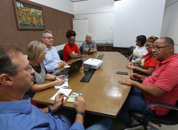 Prefeitura recebe representantes do Sindipema e explica situação financeira