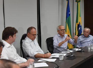 Edvaldo defende ação conjunta contra vazamento de óleo e externa preocupação