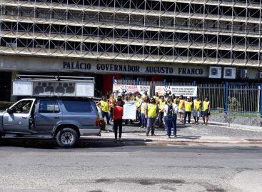 Servidores protestam contra fechamento da maternidade de Capela