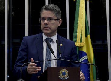 Cidadania do senador Alessandro aprovou destaque na reforma da Previdência garantindo o abono salarial
