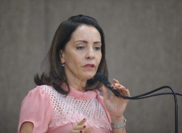 """""""O STF tem feito um desserviço para o país"""", afirma Emília Corrêa"""