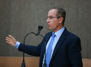 Nitinho faz esclarecimentos aos vereadores e destaca problema de ciclovia em Aracaju