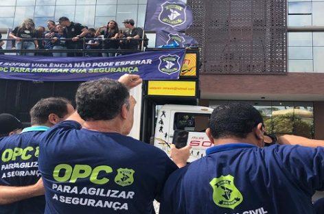 Policiais civis realizam ato e decidem paralisar atividades por 24 horas na sexta-feira