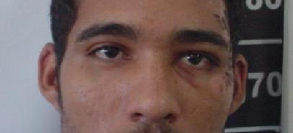 Policiais militares trocam tiros com traficante na avenida Beira Mar, próximo à Unit