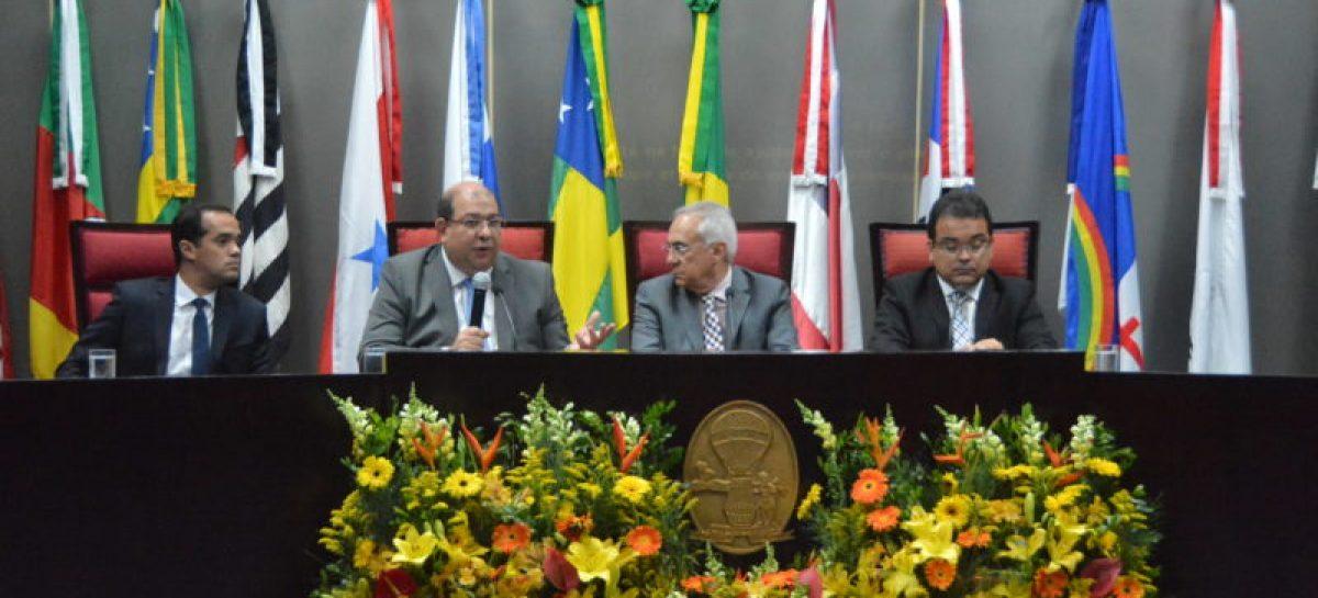 Aspectos Políticos e Jurídicos na Constituição Estadual geram amplo debate