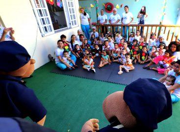 Voltado às crianças, projeto Anjos Azuis discute cidadania e desmistifica estereótipos