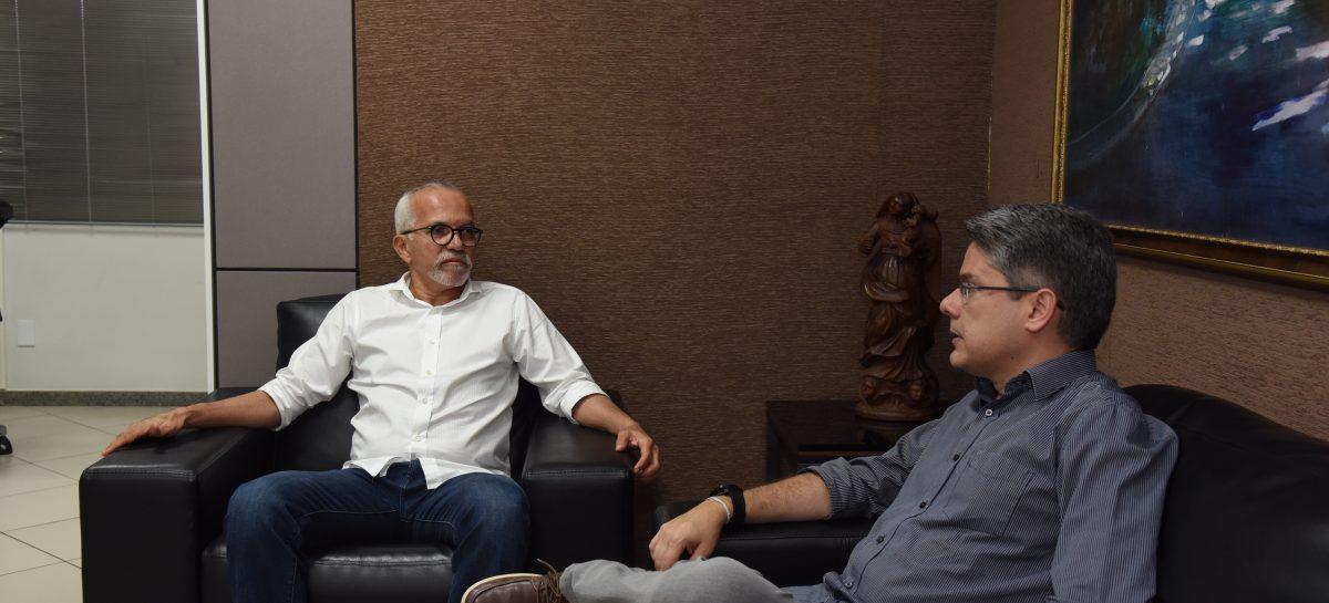 Edvaldo e Alessandro discutem destinação de emendas para Aracaju