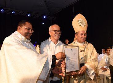 Prefeito Edvaldo acompanha homenagens à Nossa Senhora Aparecida