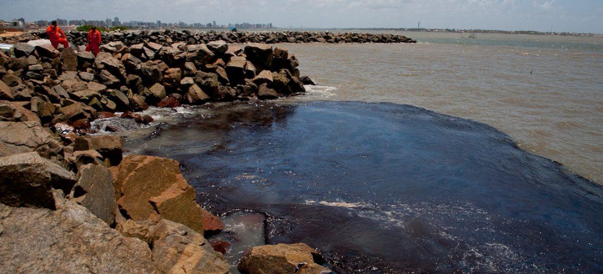 Praia da Coroa do Meio é interditada para banhistas