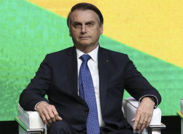 Bolsonaro diz que nova lei amplia acesso à internet para população