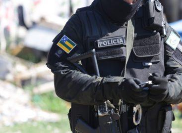 Dois homens morrem em troca de tiros com a polícia