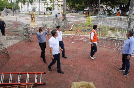 Estrutura do Natal Iluminado em Aracaju começa a ser montada