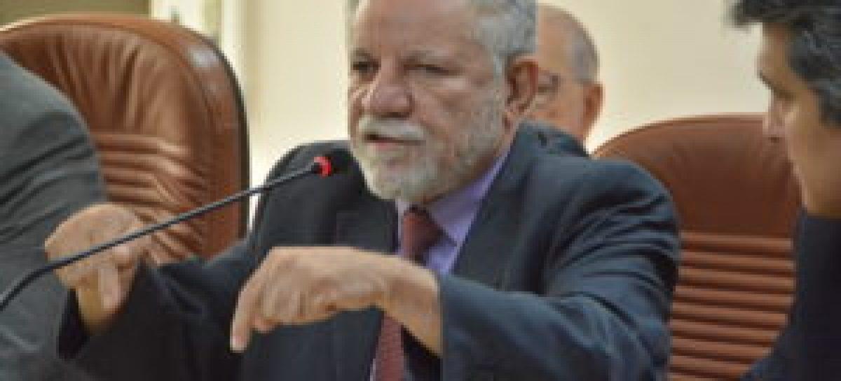 Gualberto afirma que servidor do Estado receberá 13º integral