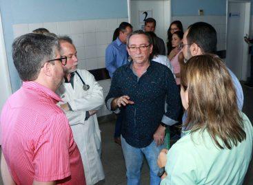 Secretário vai ao Huse acompanhar implantação do acolhimento no Pronto Socorro