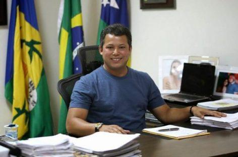 """Ex-prefeito Sukita ganha liberdade: """"a festa vai ser em Capela à tarde"""", diz Isadora"""