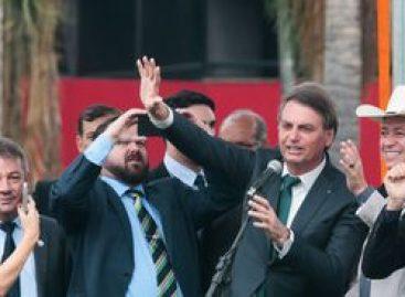 Bolsonaro envia à Câmara projeto que amplia excludente de ilicitude