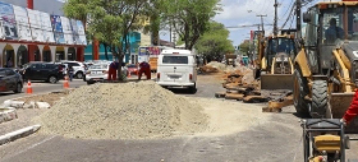 Trânsito na avenida Hermes Fontes continua com binário nesta terça, 24