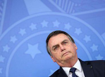 Bolsonaro concede indulto de Natal a policiais