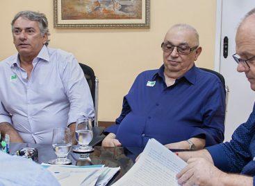 Governador recebe grupo Petrox e celebra retomada da produção de combustíveis em Sergipe