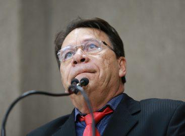Carlito Alves diz que foi vitima de extorsão de cantor evangélico