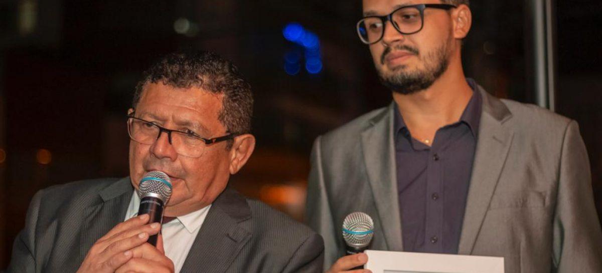 Jornalista e radialista Carlos Ferreira é campeão do Ibope e melhor âncora, diz FAFJS