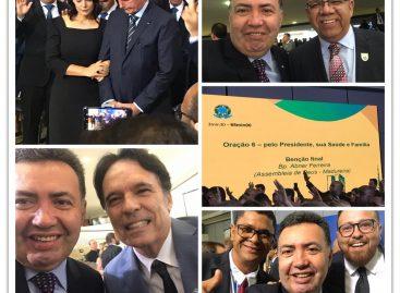 A convite de Bolsonaro, Heleno Silva participa de culto em Brasília