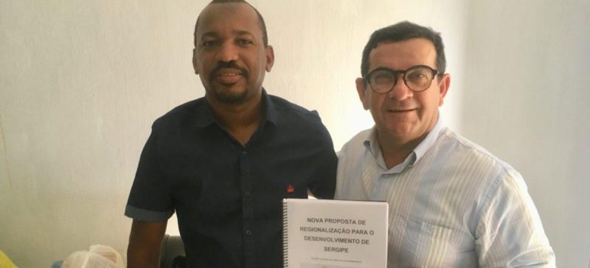Josenilton Nascimento Santos: Professor tobiense é destaque nacional