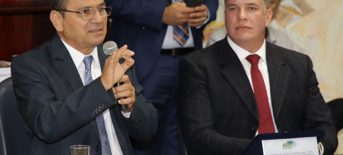 Prefeitos homenageiam presidente do TCE por contribuição para melhoria das gestões