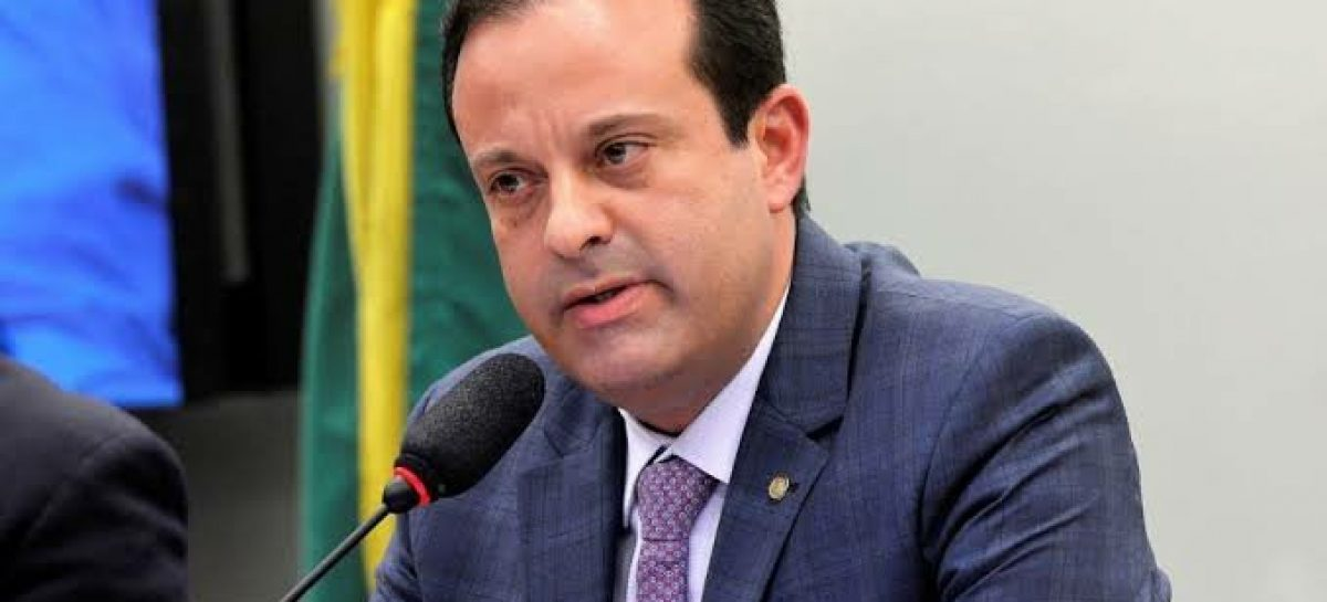 André Moura faz desafio ao senador Alessandro Vieira