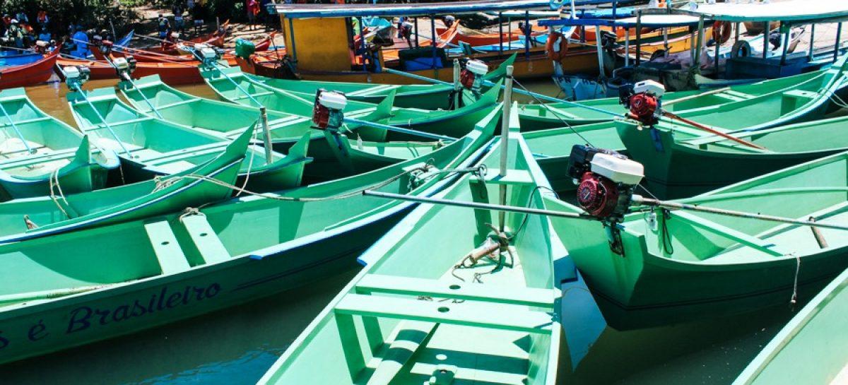 Governo entrega embarcações e apetrechos de pesca a 196 famílias