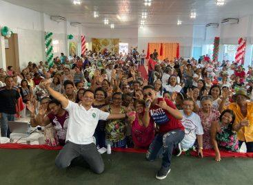 Capitão Samuel faz festa de confraternização com o seu grupo de 600 idosas