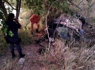 Duas pessoas morrem e duas ficam feridas em capotamento de veículo em Propriá
