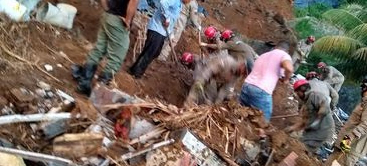 Polícia investiga se rompimento de canos causou deslizamento no Recife