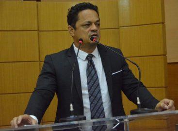 Samuel defende convocação do presidente do Ipesaúde na Alese
