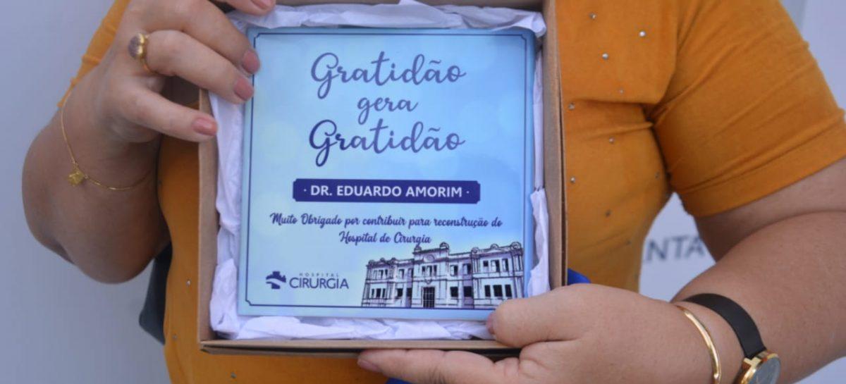 Eduardo Amorim recebe homenagem do Hospital de Cirurgia em Aracaju