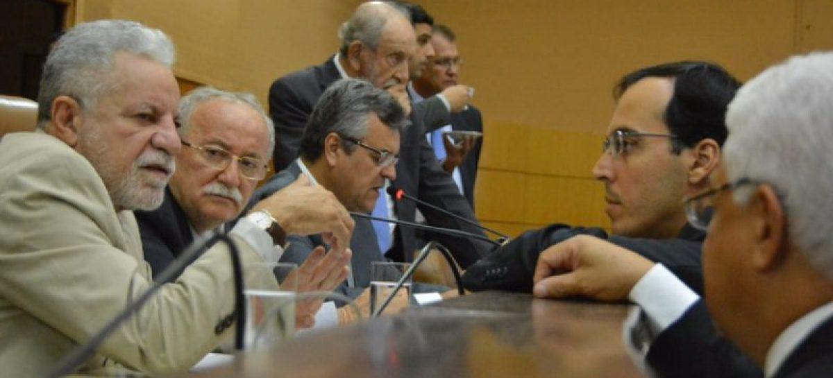 Deputados estaduais  discutem emendas e votação da PEC