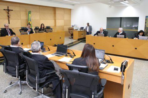 Colegiado julga quase 100 processos na sessão plenária do Tribunal de Contas