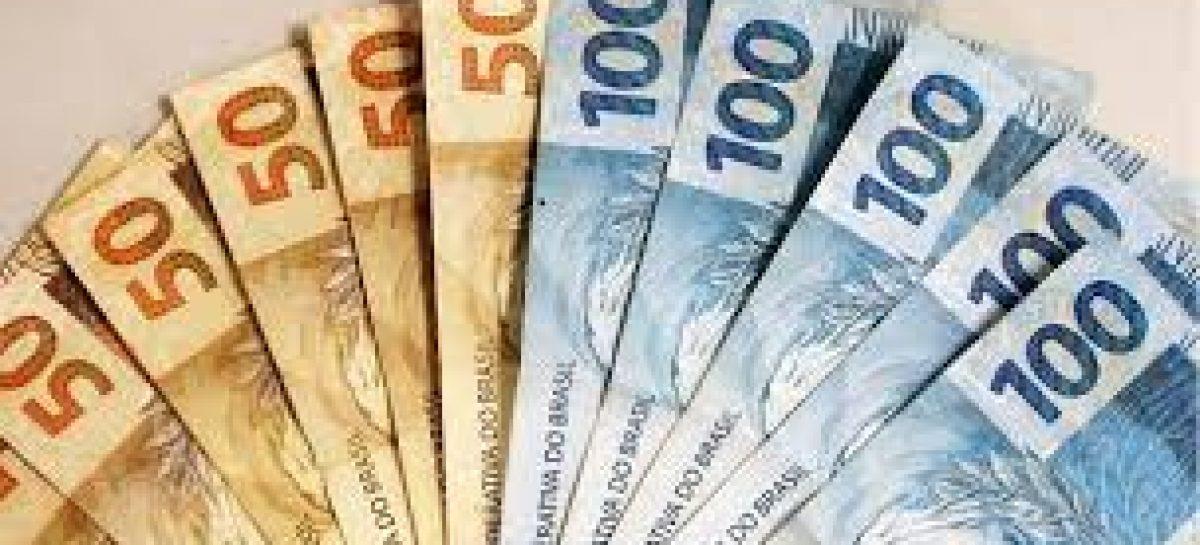 Em apenas 4 dias, 13º salário dos servidores injeta mais de R$100 milhões na economia sergipana