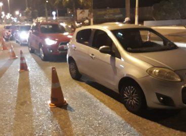 Operação da CPTran termina com 5 veículos e 7 CNHs apreendidos e motorista preso
