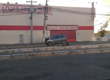 Motoristas perdem o controle do veículo e provocam acidentes em Aracaju