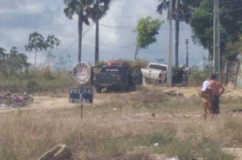 Três homens roubam veículo do prefeito de Pirambu e trocam tiros com a polícia