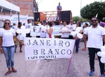 Usuários e equipes de saúde participam da 2ª Caminhada do Janeiro Branco