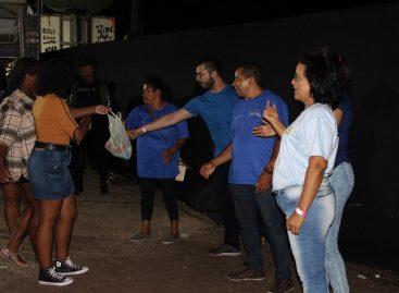 Calcinha Preta doa 8 toneladas de alimentos para o Mesa Brasil Sesc