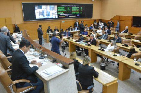 Deputados votam e aprovam  projetos de lei na sessão desta quarta-feira