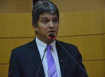 Samuel Carvalho é condenado a pagar 12 mil reais a cliente por ter praticado cobrança abusiva de honorários