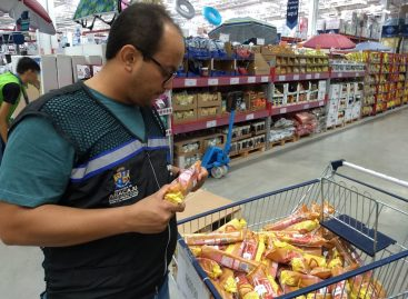 Procon fiscaliza supermercados no município de Aracaju