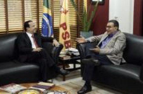 Valadares Filho se reúne com presidente do PSB Nacional